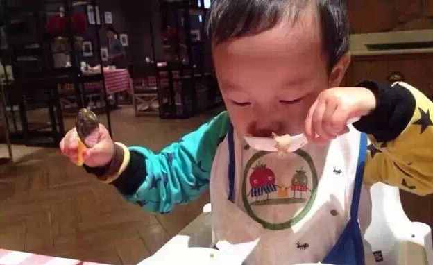 從孩子愛不愛吃飯,看父母教育是否失敗!講的太有道理了